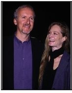 "James Cameron arrives with girlfriend Suzy Amis at the ""End of Days"" Premiere"