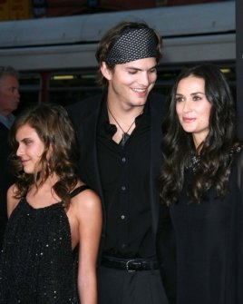 Ashton Kutcher with Tallulah Belle Willis and Demi Moore