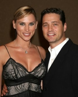 Naomi Lowde-Priestley and Jason Priestley