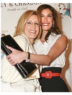 "Teri Hatcher's Book ""Burnt Toast and Other Philosophies of Life"" Party:  Felicity Huffman and Teri Hatcher"