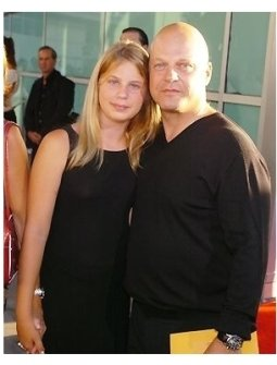 "Michael Chiklis and daughter Autumn at the ""Catwoman"" premiere"