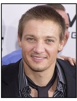 "Jeremy Renner at the ""S.W.A.T."" premiere"