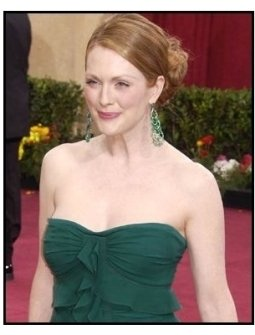Academy Awards 2003 Arrivals: Julianne Moore