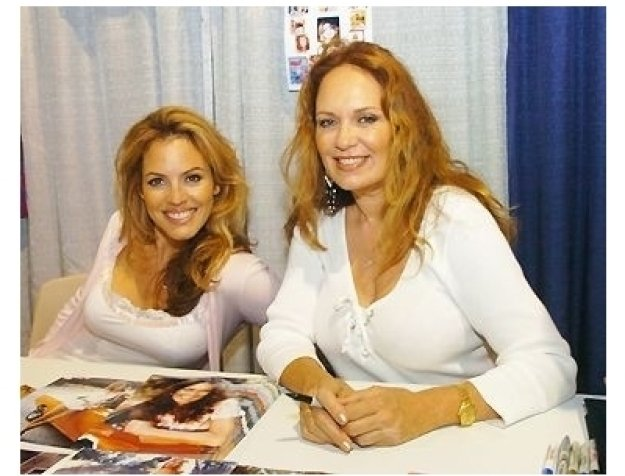 Comic-Con 2004 still: Sandra Taylor and Catherine Bach