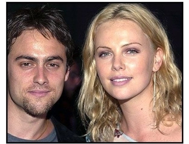 Warhol Celebrity Gala 2002: Stuart Townsend and Charlize Theron