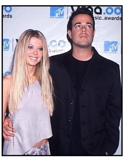 Tara Reid and Carson Daly at the MTV Music Awards 2000