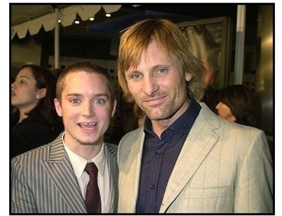 The Lord of the Rings: The Two Towers premiere still: Elijah Wood and Viggo Mortensen on the red carpet