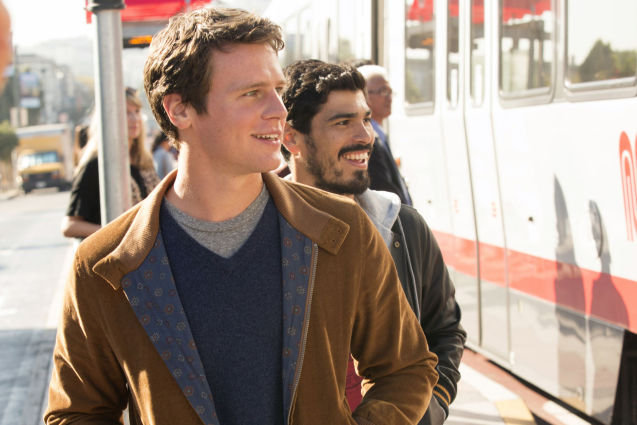 Jonathan Groff, Looking